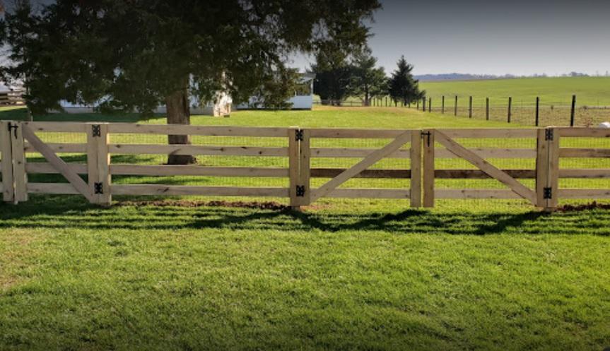 KY 4 Board Fence Cincinnati